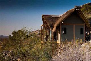 Lodges Etosha 13 namibie dolomite camp0