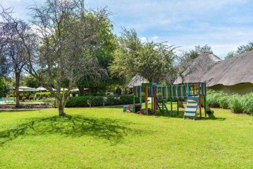 Mokuti Etosha Lodge 10 namibie mokuti etosha lodge6