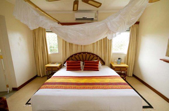 Mweya Safari Lodge 8 ouganda mweya lodge8