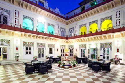 Laxmi Vilas Palace 7 inde laxmi vilas palace9