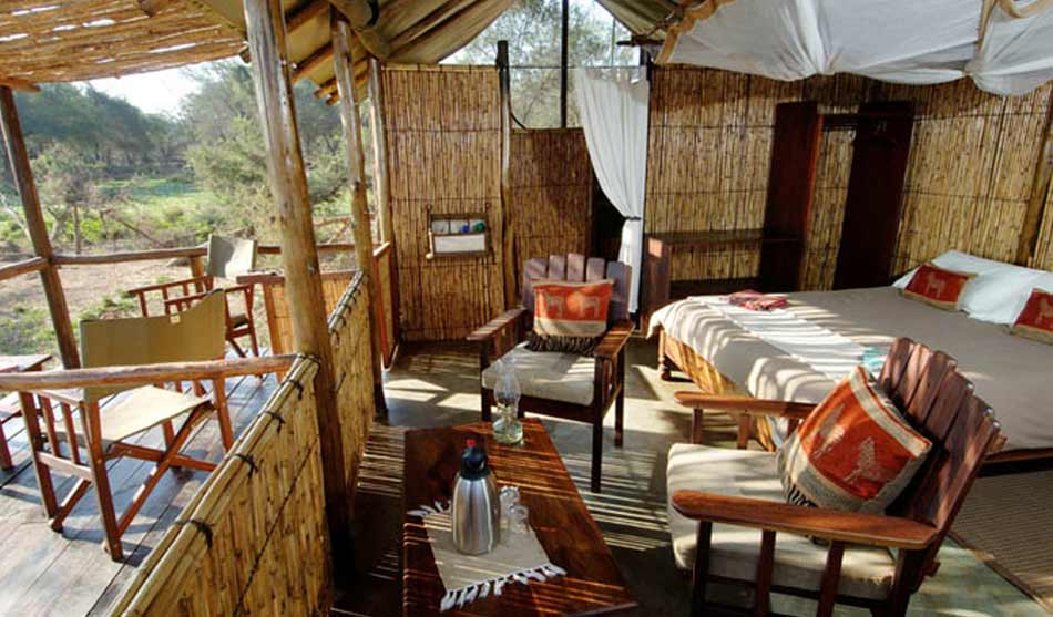 Lodges Lower Zambezi 5 zambie old mondoro0