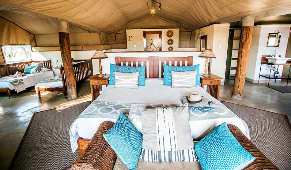 Lodges Hwange 1 zimbabwe the hide0
